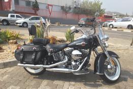HD Softail Heritage - Black - 7